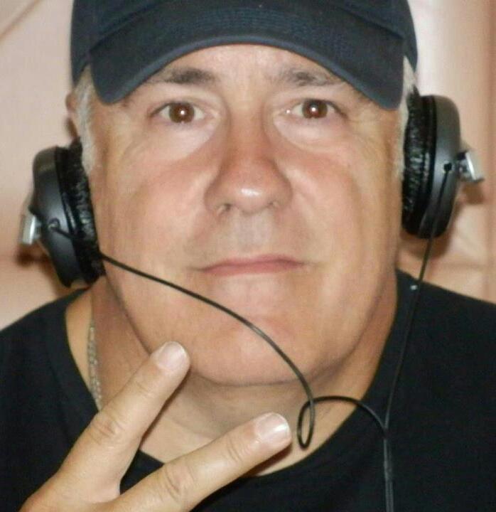 Angel Alboreca(Mr. Johns).